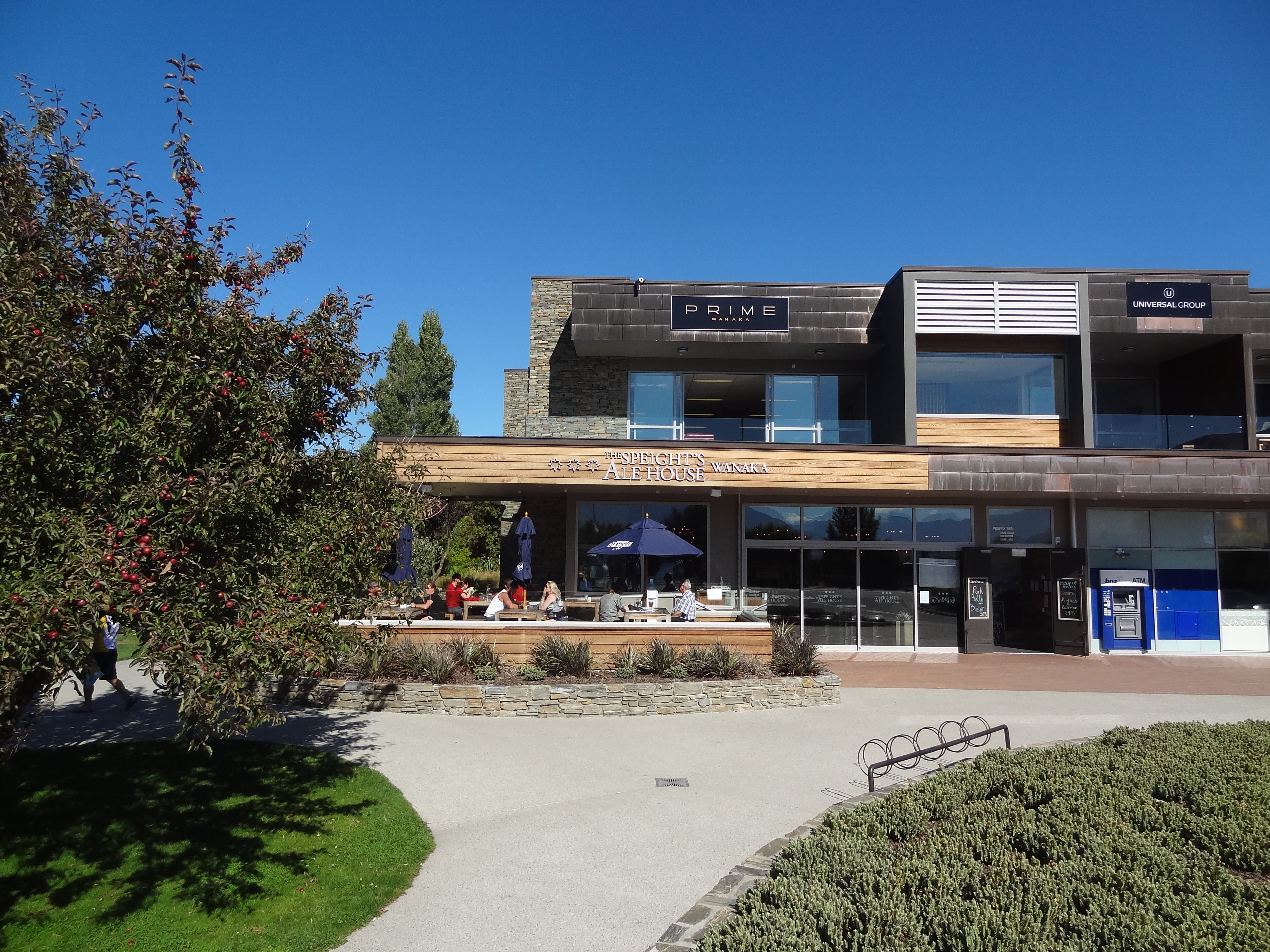 Sleights Ale House - our favourite watering hole during our short stay in Wanaka